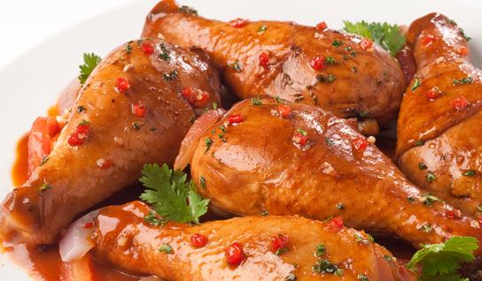 Como hacer pollo guisado con papas (Receta)